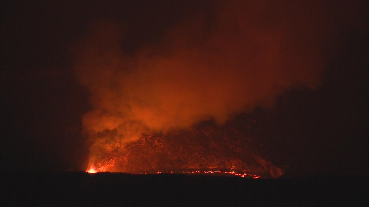 VIDEO: Lava Lake Draws A Crowd