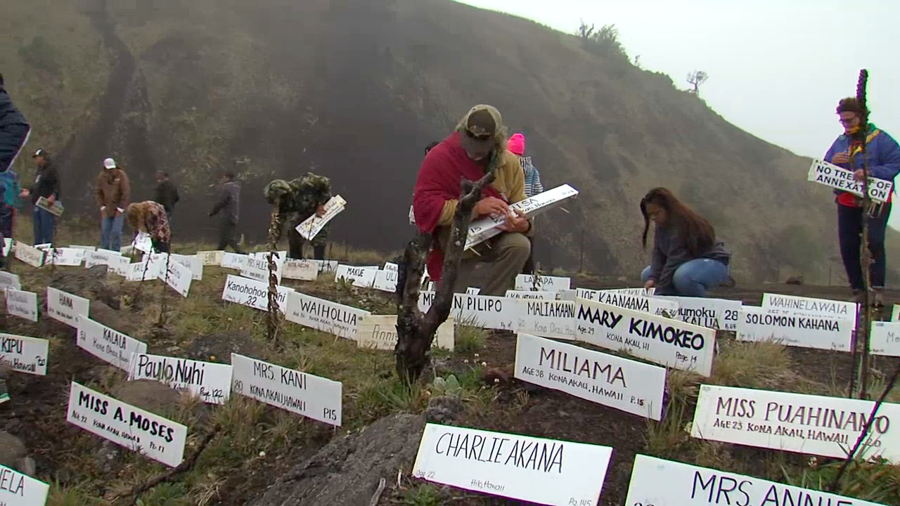 VIDEO: Ku'e Petition Comes To Mauna Kea