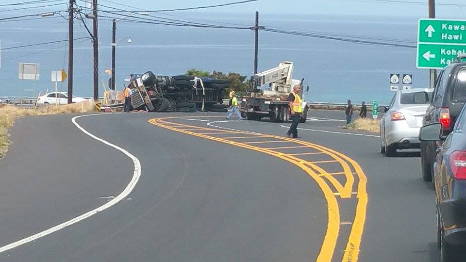 Crash Closes Queen Ka'ahumanu and Kawaihae Road