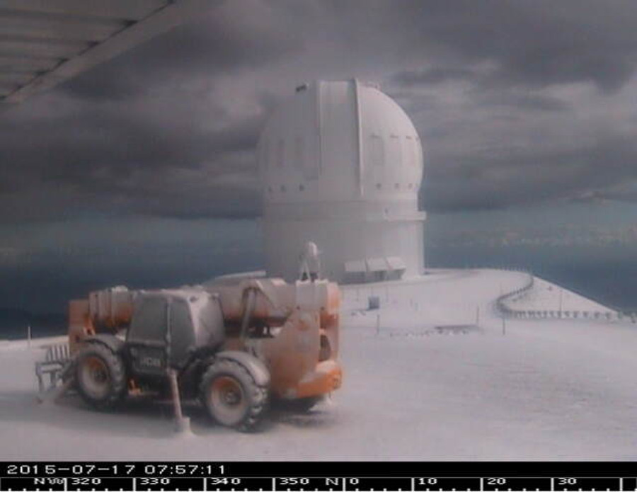 Snow seen on July 17 from Mauna Kea webcam (UKIRT aimed SW)