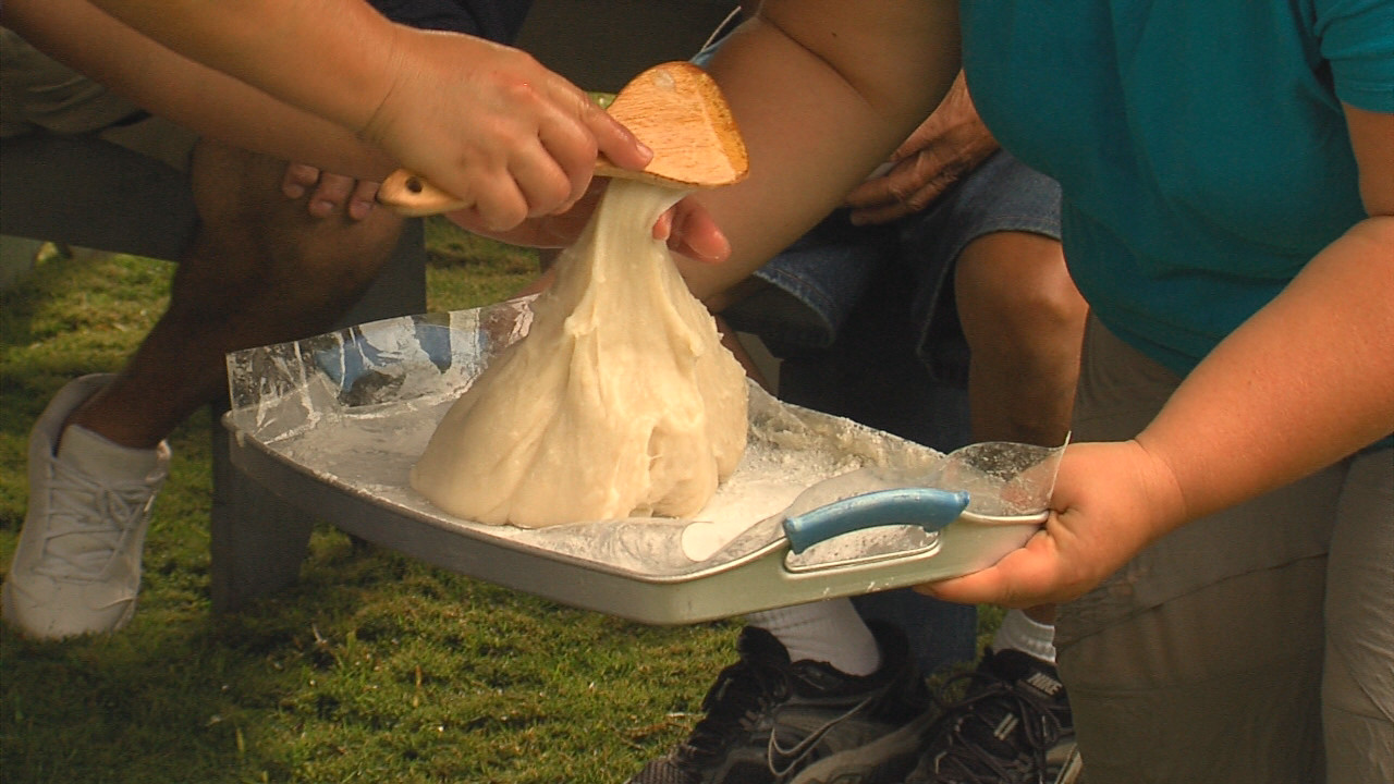 21st Annual Mochi Pounding Set For Dec. 29 At Akiko's