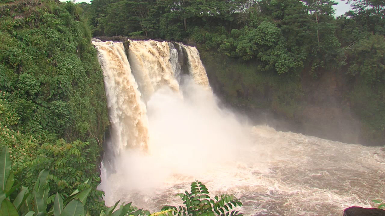 Two Jump From Rainbow Falls, One Injured