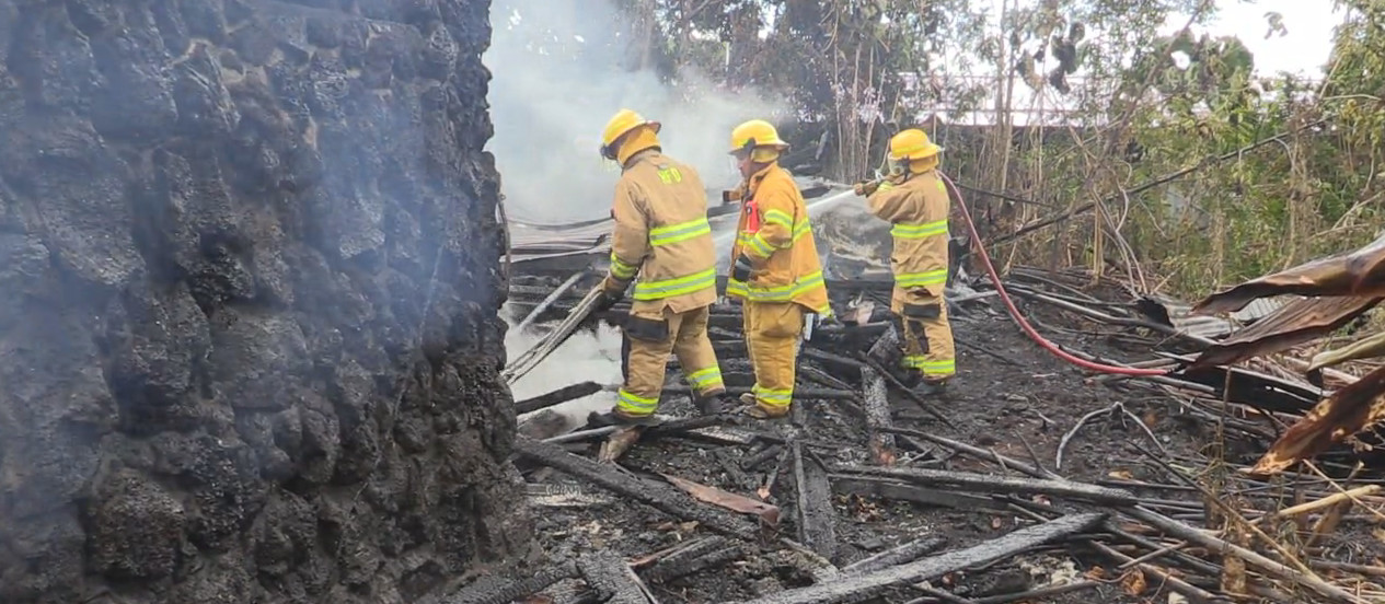 VIDEO: Fire Destroys Squatter House In Hilo