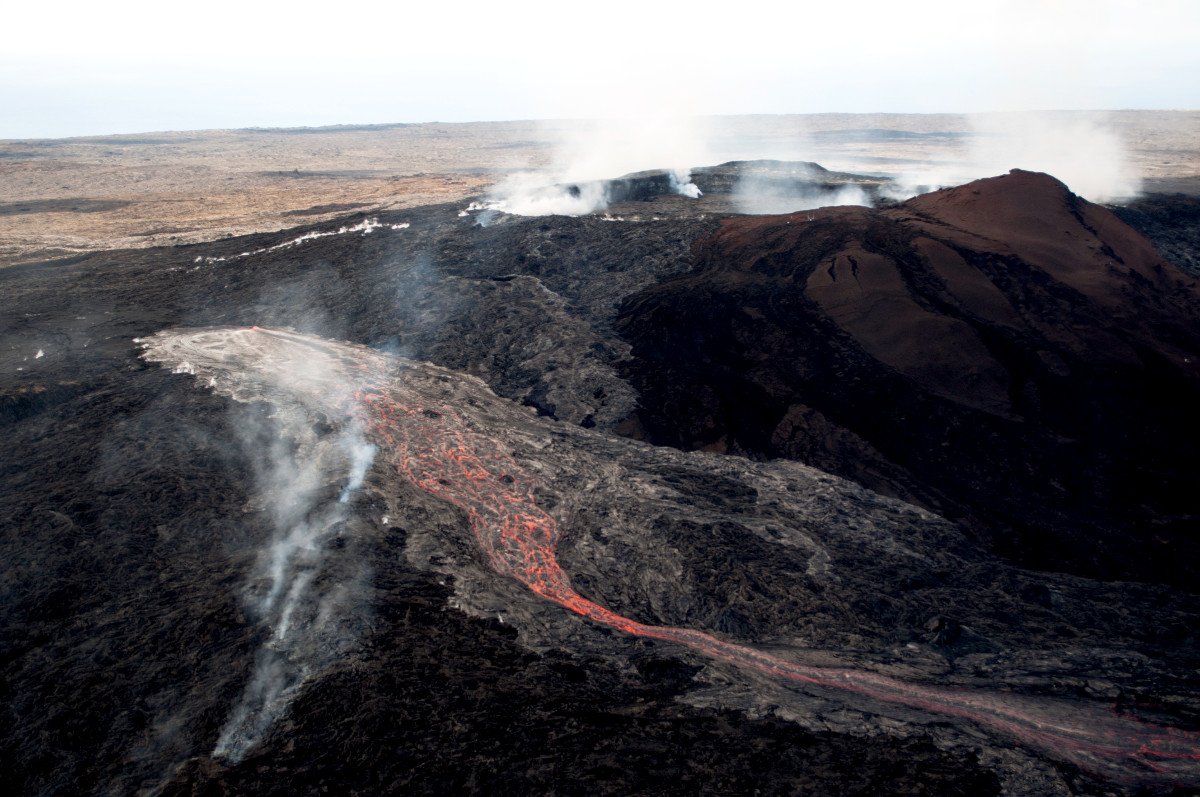 First Photos Of New Lava Flows On Puu Oo