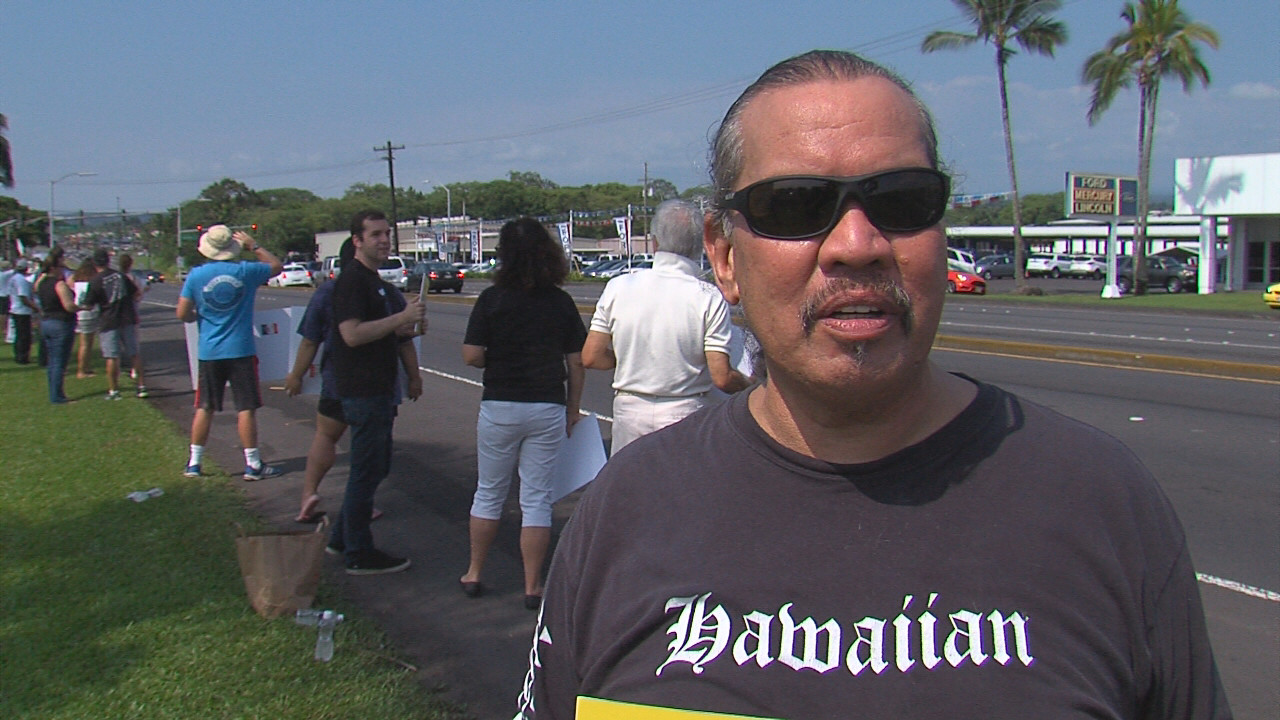 VIDEO: TMT Support On Display Along Hilo Highway
