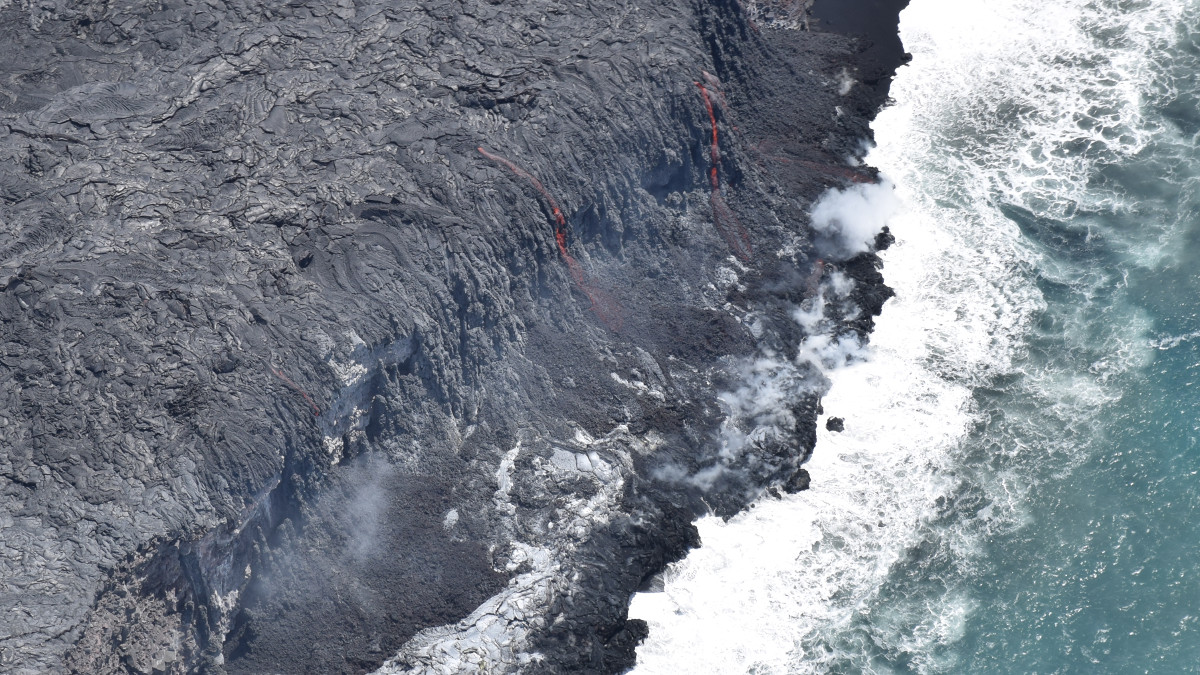 Lava Ocean Entry Widens, Building Black Sand Beach