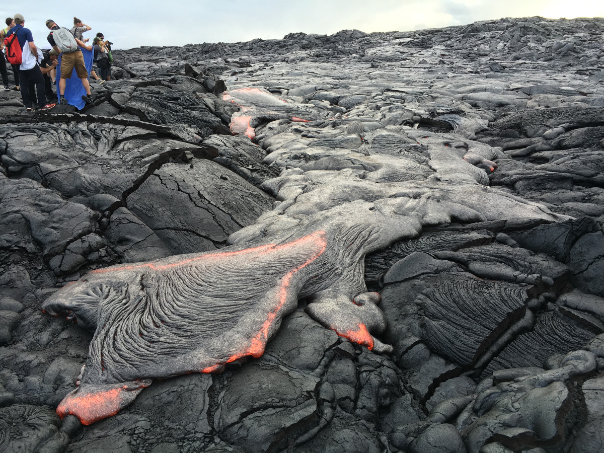 """(USGS photo) On Friday evening, breakouts from the east side of lava flow """"61g"""" provided good viewing for visitors who walked in from the Kalapana viewing area."""