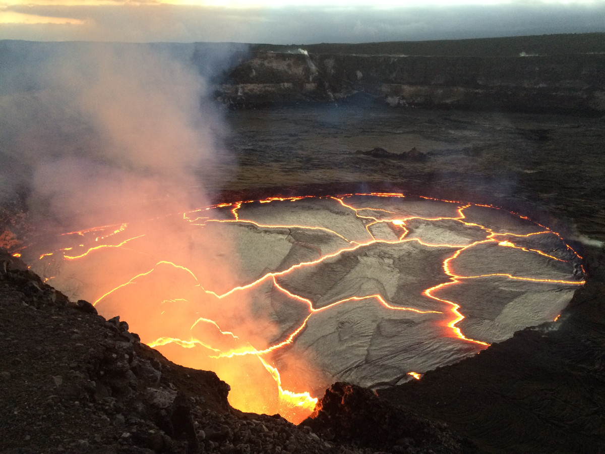 Volcano Lava Lake Nears Overflow, Earthquakes Rise