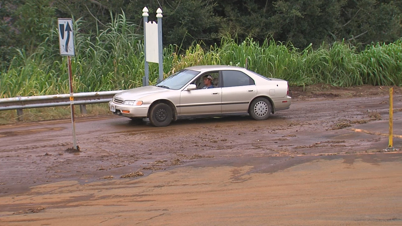 VIDEO: County, Kulani Inmates Kokua O'okala After Floods