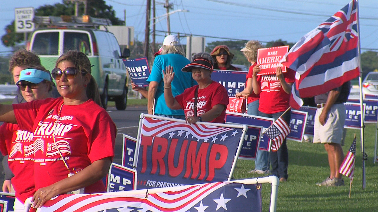 VIDEO: Donald Trump Supporters Sign Wave In Hilo