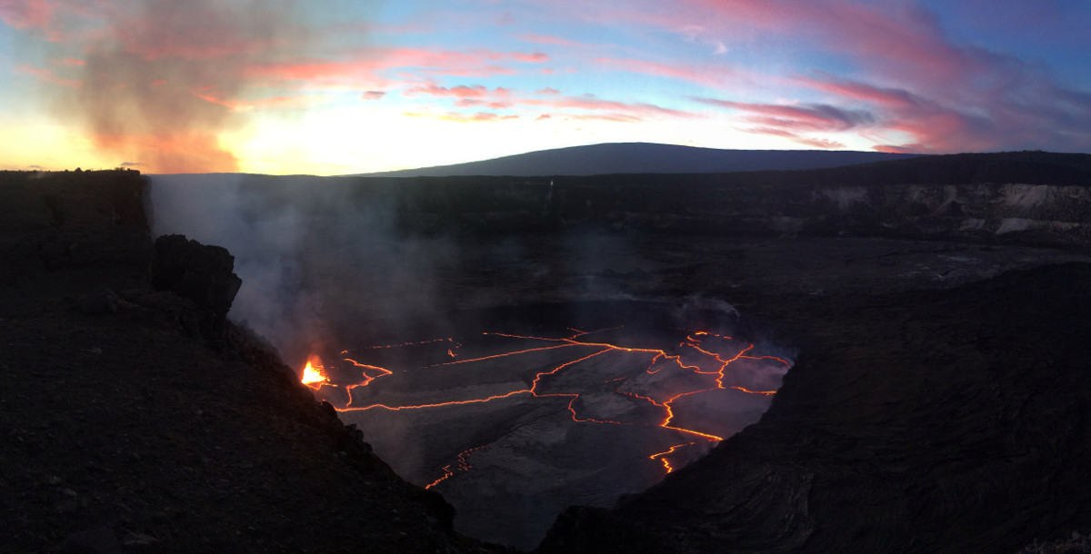 (USGS photo on Nov. 26, 2016) A clear evening provided good views of the lava lake within Halemaʻumaʻu Crater at the summit of Kīlauea Volcano.