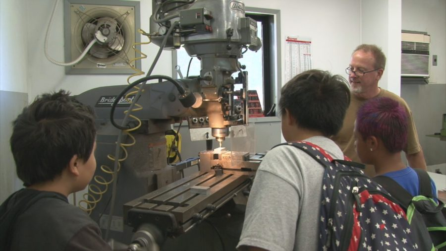 VIDEO: CFH Telescope Hosts Students On Manufacturing Day