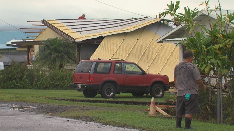 VIDEO: Damaging Winds Blast Hilo Neighborhood