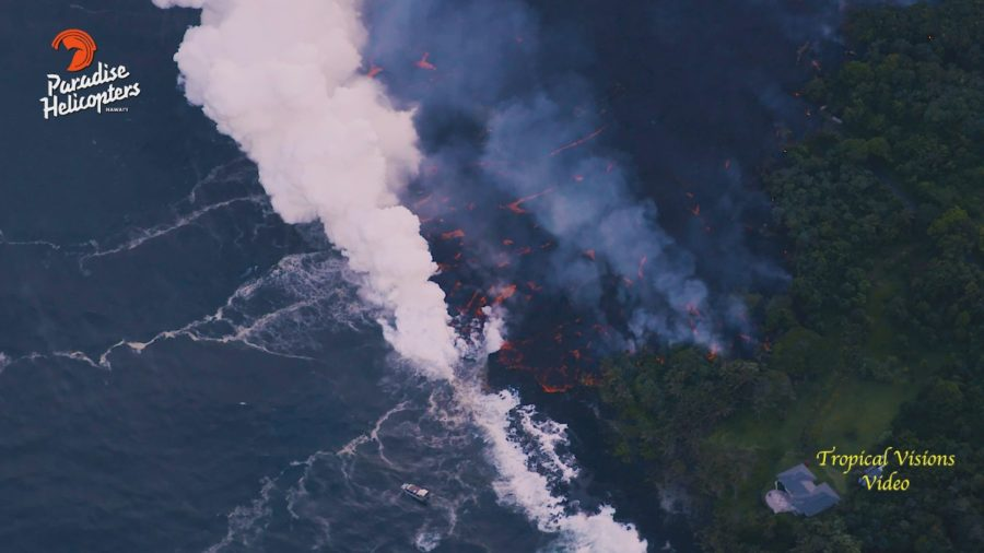 VIDEO: 7 pm Eruption Update – Lava Ocean Entry Overflight
