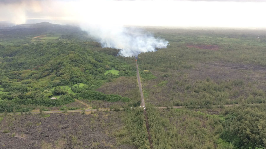 7 am Eruption Update – Wide Lava Flow Front 100 Yards From Four Corners