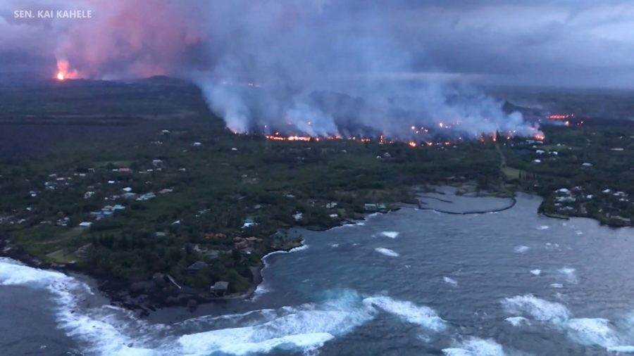 VIDEO: 9 pm Eruption Update – Lava Moves Into Kapoho Beach Lots