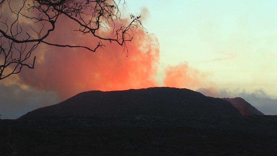 VIDEO: 8 am Eruption Update – Surge After Summit Collapse