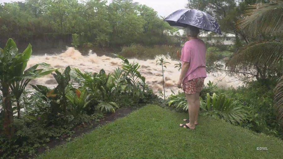 VIDEO: Hurricane Floods Stir Rain-Hardened Hilo Residents