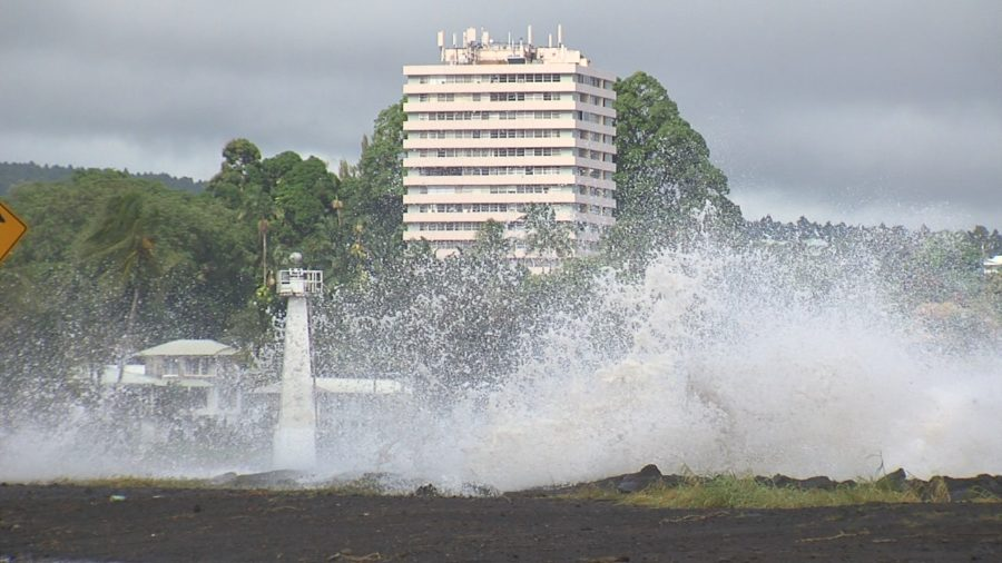 VIDEO: High Surf Warning, Hilo Bayfront Highway Closed