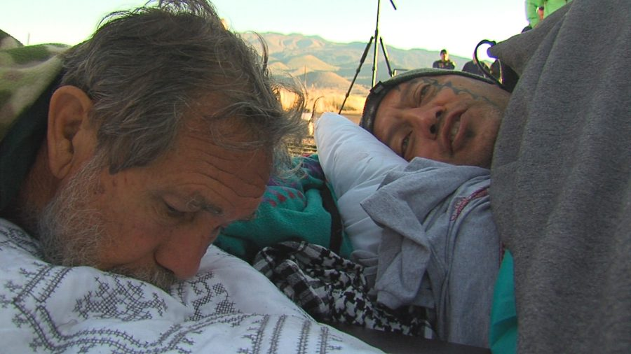 VIDEO: TMT Opponents Chained To Cattle Guard On Mauna Kea Road
