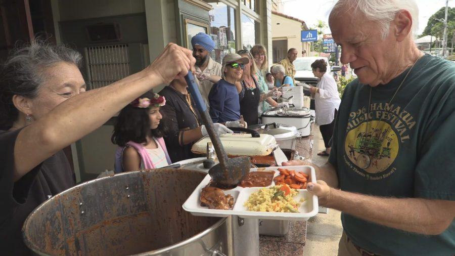 VIDEO: Community Langar Served At Honokaʻa Peace Day Parade