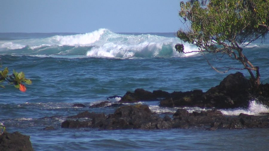 VIDEO: High Surf Prompts Keaukaha Closures