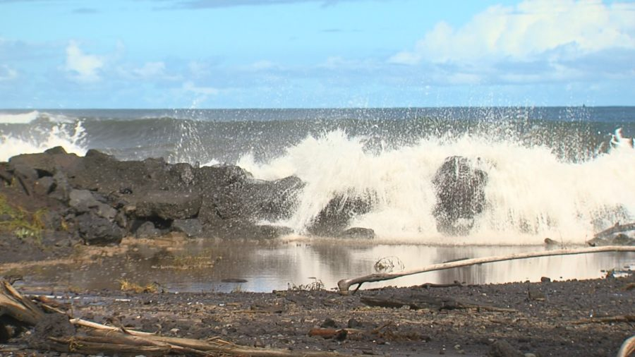 VIDEO: High Surf Closes Hilo Bayfront Highway, Beaches