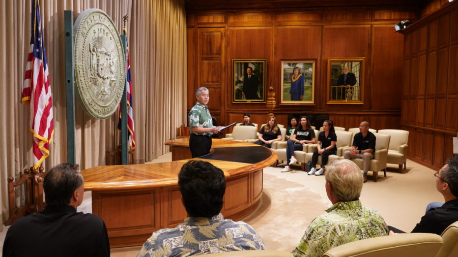 Governor Ige Signs Maunakea Administrative Rules