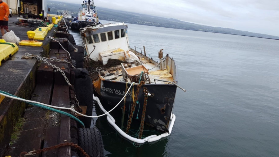 Fishing Vessel Grounded Off Hilo Removed