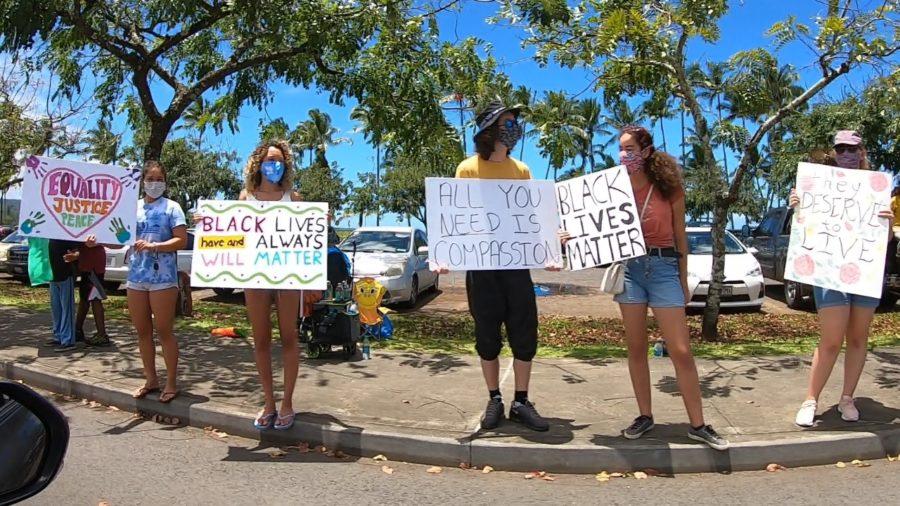 VIDEO: Hundreds Line Hilo Street In Support Of Black Lives Matter