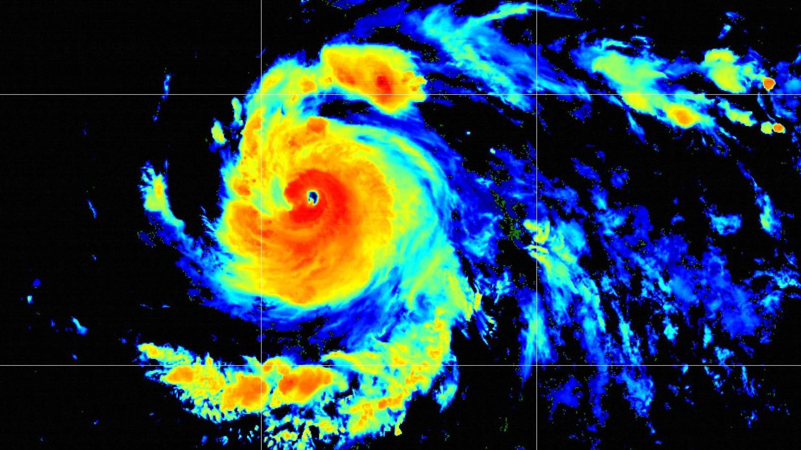 Douglas Becomes A Major Hurricane, Heading Towards Hawaiʻi