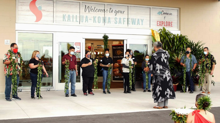 New Safeway Store Opens In Kona After Hawaiian Blessing