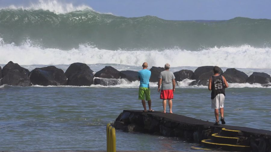 VIDEO: High Surf Rolls Into Hilo Bay