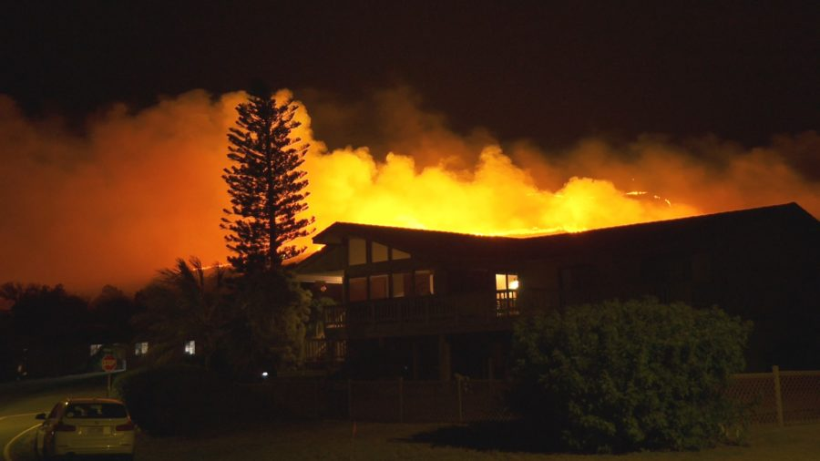 VIDEO: Brush Fire Burns In North Hawaiʻi, Closes Kawaihae Road