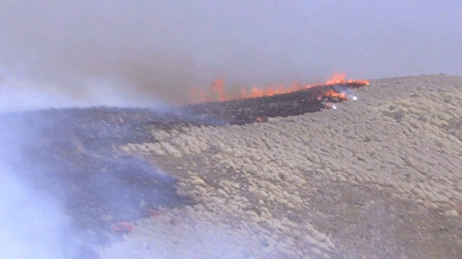 VIDEO: Hawaii Brush Fire Continues To Burn, Evacuation Order Lifted